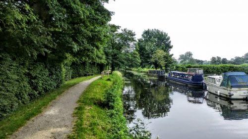Leaving Ripon, beside Ripon Canal