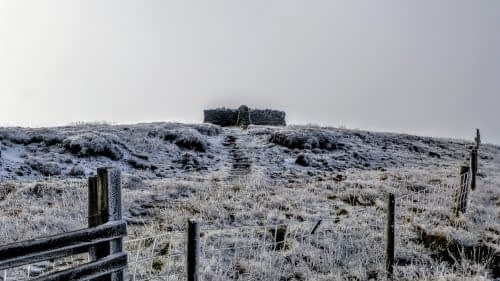 Summit shelter, Great Shunner Fell