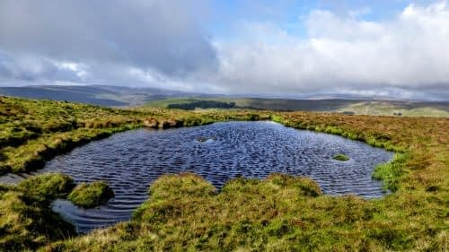 Path-side tarn, Great Shunner Fell